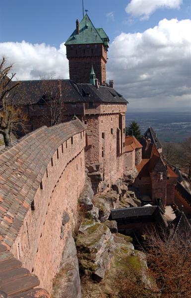http://www.haut-koenigsbourg.fr/eCommunityImages/DEECA512-A183-4E16-A5E0-4040D79F84EB/131/w800wh600h/0009413_haut_koenigsbourg.jpg