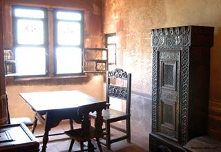 Room with oriel in the second floor of the southern dwellings at Haut-Koenigsbourg castle - Jean-Luc Stadler - Haut-Koenigsbourg castle, Alsace, France